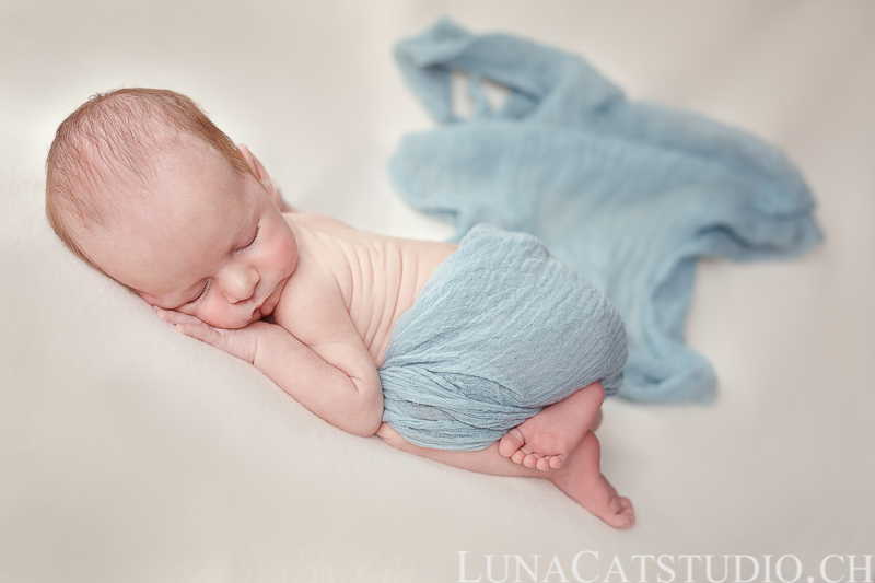 neuchatel newborn photo session Valentino