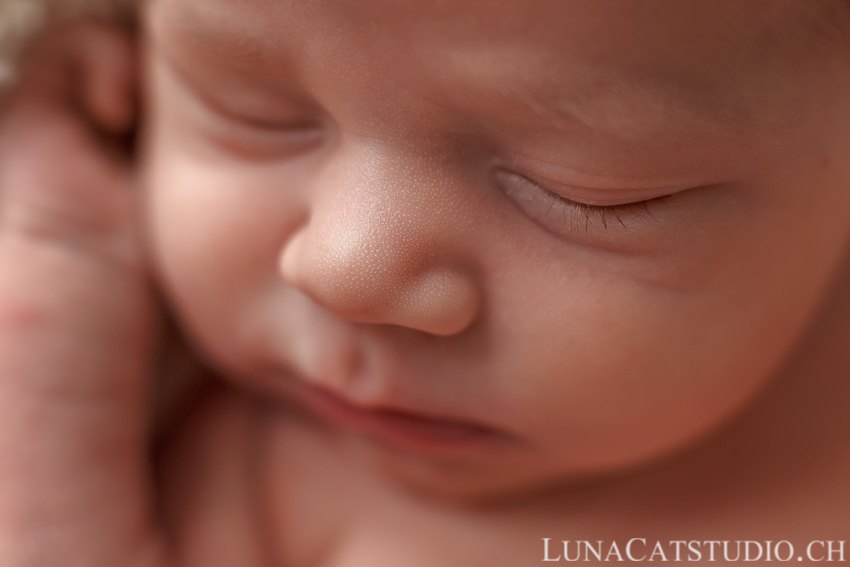 lausanne newborn photoshoot